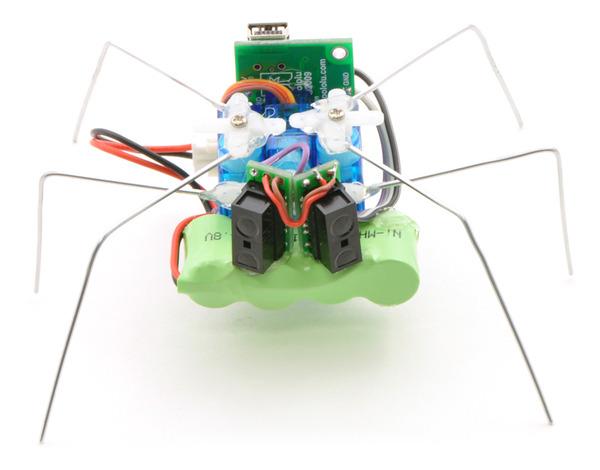 робот-паук из скрепок